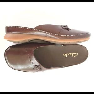 Shoes - Clarks Brown Leather Flat Mules New Size 8M